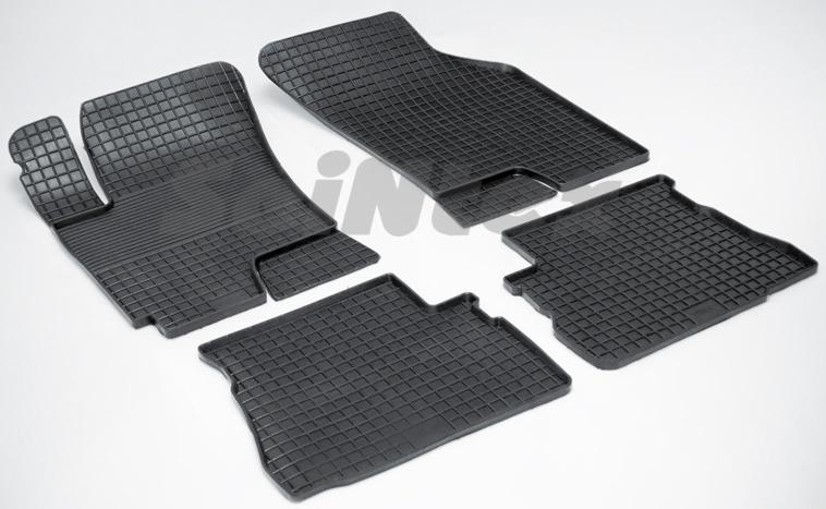 SeinTex 00320 для Hyundai Getz (2002-н.в.)Hyundai<br>типа сетка - изготовление из специальной резины, не имеют запаха, идеальное повторение контуров салона, морозостойкость, гарантия - 3 года. На данные коврики нанесен узор сетка, который помогает удерживать пыль, грязь, воду. Коврики выполнены из высококачественных материалов, которые обеспечивают высокую износостойкость и долговечность аксессуаров. Содержание синтетического каучука равно 40 процентам, а остальные 60 - это специальные добавки, предназначенные для повышения прочности, эластичности и устойчивости к внешним воздействиям. Использование специальных импортных компонентов позволило избежать наличия неприятного запаха. Материал, из которого изготовлены аксессуары, имеет неоспоримые преимущества перед полиуретаном, который является более бюджетным материалом и резиной, имеющей неприятный запах. Коврики предельно просты в эксплуатации и уходе. Специальный дизайн ковриков позволяет им идеально подходить под контуры пола автомобиля.<br>