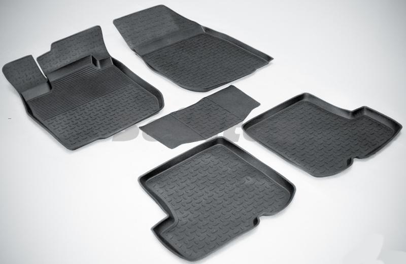 SeinTex 01803 для Renault Sandero I (2010-2014)Renault<br>с высоким бортом - изготовление из специальной резины, не имеют запаха, шипы для надежной фиксации, идеальное повторение контуров салона, гарантия - 3 года. Рассматриваемые нами коврики оснащены высоким бортом, благодаря чему способны удерживать большое количество влаги и загрязнений, не позволяя ей распространяться по напольному покрытию. Отличительная особенность ковриков Seintex - это изготовление из высококачественных материалов, которые отличаются высокой износостойкостью, эластичностью. Кроме этого, данные коврики не имеют запаха и безопасны для аллергиков. Отличное сцепление с поверхностью обеспечивают шипы, расположенные на обратной стороне автоковриков. Высокое качество продукции и уверенность в долгой службе аксессуара компания-производитель подтверждает 3-летней гарантией.<br>