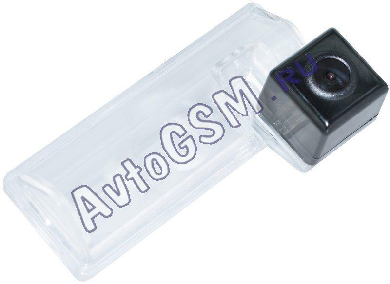 SPARK тип A LM3Штатные камеры заднего вида<br>NTSC для Suzuki SX4 седан. Видеокамера заднего вида  Спарк (Spark)  предназначена для установки в штатное место автомобилей  вместо фонаря освещения номерного знака. Камера имеет высокую световую чувствительность матрицы (0,02 LUX), что отличает ее от ближайших конкурентов, световая чувствительность которых не превышает 0,2 LUX. Также камера отличается большим углом обзора и имеет встроенные парковочные линии.<br>