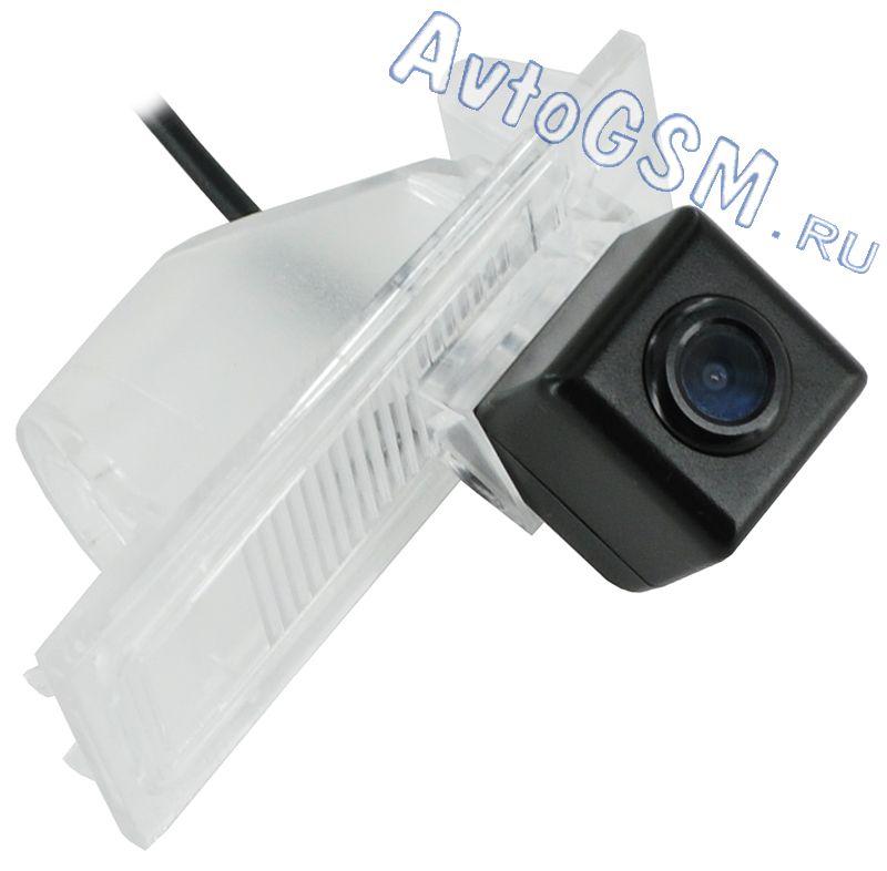 SPARK FT4 тип А NTSCШтатные камеры заднего вида<br>для автомобиля Fiat Ottimо - отключаемые парковочные линии, освещенность 0.01 Lux, герметичный корпус IP67. Высокий показатель световой чувствительности (0.04 Lux) явно выделяет Спарк (Spark) FT4 тип А NTSС среди аналогичных устройств по схожей стоимости. Парковочные линии станут незаменимыми помощниками во время ориентирования в пространстве позади транспортного средства. По желанию Вы сможете перерезать белую петлю на проводе для того, чтобы эти линии не мешали обзору. Также важно упомянуть о возможности исправного функционирования в большом диапазоне температур и при различных погодных условиях. Последнее обусловлено отличным уровнем защиты от пыли и грязи (IP67).<br>