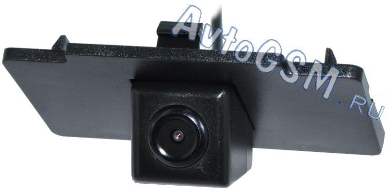 SPARK Штатная камера тип A NTSC K12Штатные камеры заднего вида<br>. Спарк (Spark) представляет камеру заднего обзора тип A NTSC K12. Этот аппарат наделен большим количеством характеристик, которые окажут Вам помощь на автостоянке. Среди данных свойств нужно отметить присутствие у аппарата цветной и светочувствительной матрицы SOC, угла обзора 170 градусов, функции автоматической активации при движении задним ходом и так далее.<br>