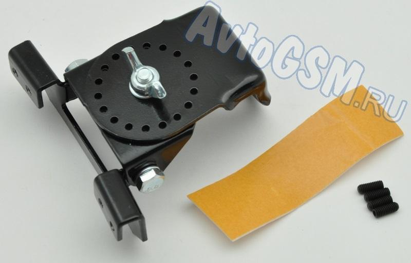 Триада КН-03Радио<br>на багажник для установки врезных антенн - поворотный механизм, удобный монтаж, изготовление из металла, надежное крепление Внимание!!!! Распродажа. Триада КН-03 - это поворотный кронштейн, который надежно фиксируется на крышку багажника и предназначен для установки врезных антенн. Данный кронштейн позволяет избежать создания отверстия в корпусе автомобиля. Аксессуар подходит для врезных антенн СВ 27 МГц и приема радио (УКВ, FM, AM). Крепление осуществляется с помощью винтов (по принципу струбцины). Кронштейн дает возможность поворачивать антенну на 90 градусов.<br>